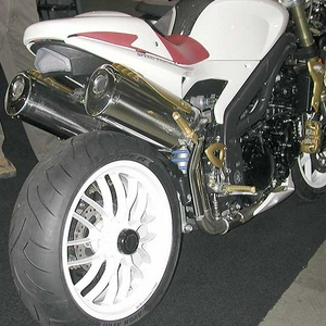 2475-speed-triple.jpg