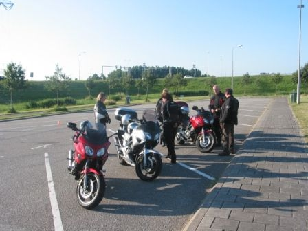 http://www.motor-forum.nl/forum/download_document/636313/03bb58c49d04815172636f2674e267b3