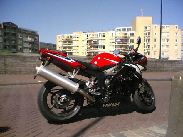 http://www.motor-forum.nl/forum/download_document/381642/79fe3c3964a6da8eede91652a25ceb33