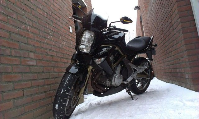 http://www.motor-forum.nl/forum/download_document/1095475/11d0e49da082049b76cae8d692dd49df
