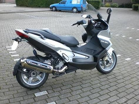 http://www.motor-forum.nl/forum/download_document/588861/16c66821888a9351a7e2e49589649723
