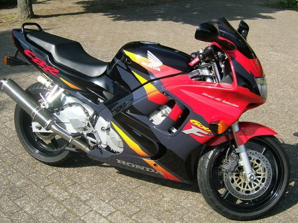 http://www.motor-forum.nl/forum/download_document/791303/da88177551413371f758454f6f90ec06