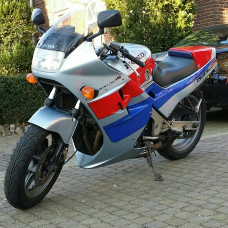http://www.motor-forum.nl/forum/download_document/1218346/79318d71425dd8a4c2d11b7ab02aa278