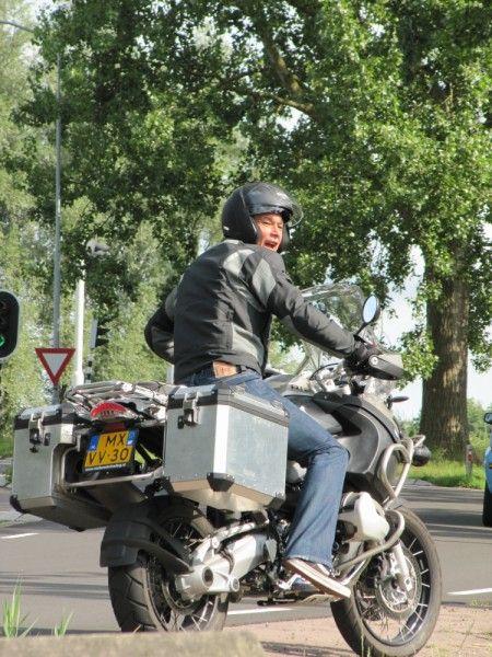 http://www.motor-forum.nl/forum/download_document/881572/5368d0bfca9d7208179b4154af5a9f62