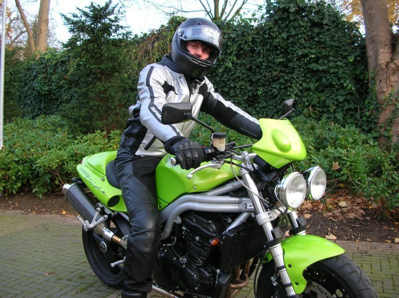 http://www.motor-forum.nl/forum/download_document/681248/ae18f0890eb194d939889125029cc3eb