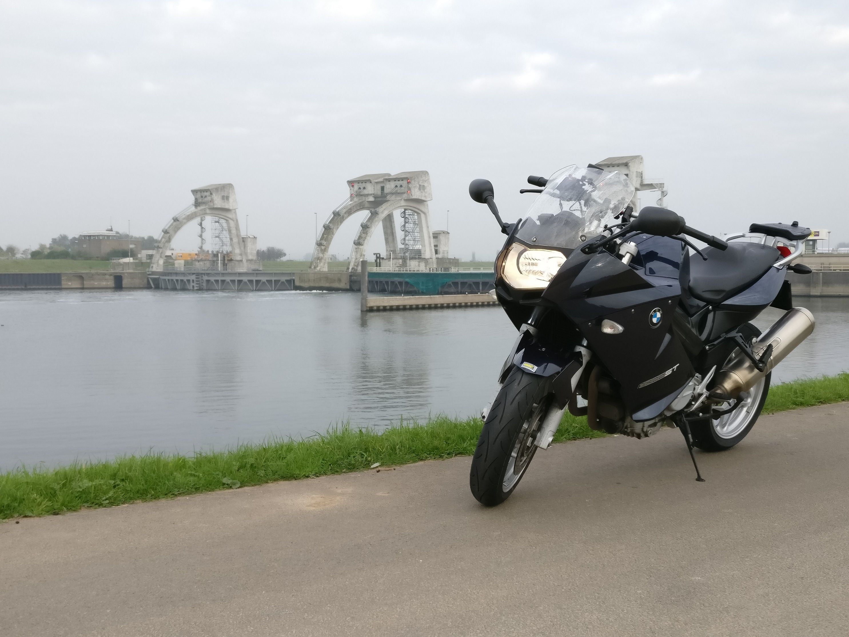 http://www.motor-forum.nl/forum/download_document/1315769/869d364c13435aea898602bd452d24e6
