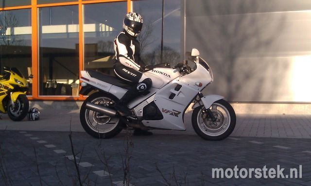 http://www.motor-forum.nl/forum/download_document/1033074/182a399250088d099e745af830d67724