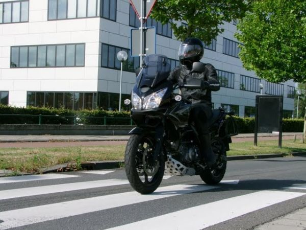 http://www.motor-forum.nl/forum/download_document/780803/d897237ee5c2b0b24a310e89c12953cc