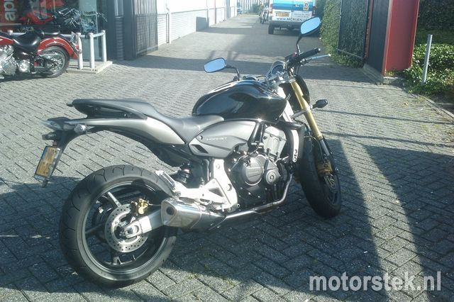 http://www.motor-forum.nl/forum/download_document/935362/0ca5414418f95298cb7b45f3a26a5492