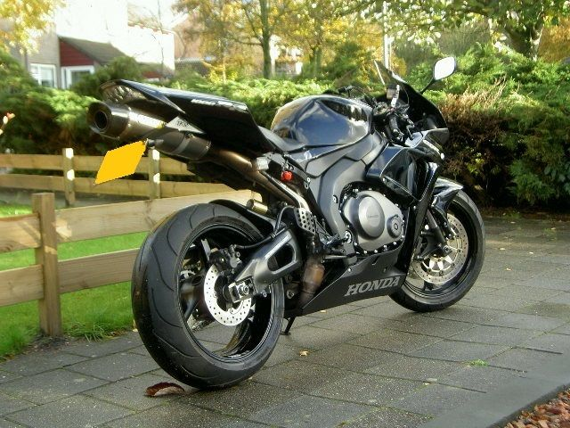 http://www.motor-forum.nl/forum/download_document/1207597/f26ad9b2ec597d3209a1503fe92b9273