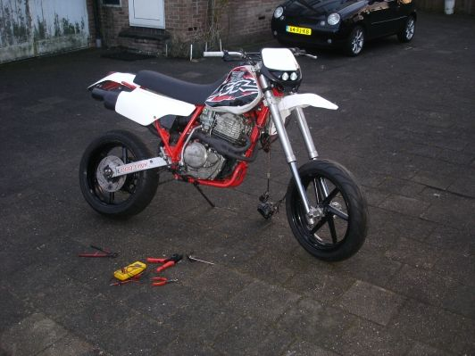 http://www.motor-forum.nl/forum/download_document/903177/0ef828682325bca53f04beb9c5251d50