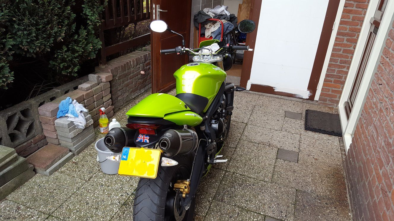 http://www.motor-forum.nl/forum/download_document/1305750/c7d9eb8ac4e1a02cb6f3619be3d7440f
