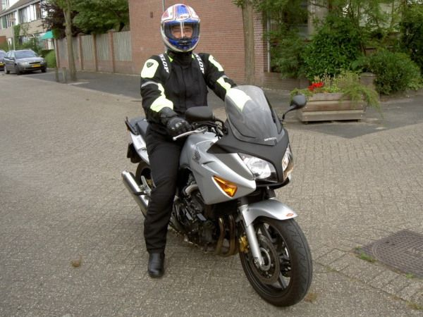 http://www.motor-forum.nl/forum/download_document/809505/7f808ce06f089bb140a439a70e3d47f3