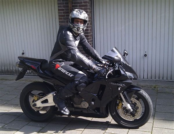 http://www.motor-forum.nl/forum/download_document/891045/464cf5421d5702f5233c1f2290d710fc