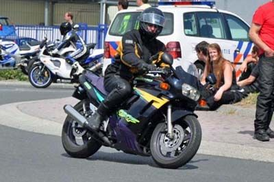http://www.motor-forum.nl/forum/download_document/989566/14f0b20b89b7eeed6e3900540630ae64