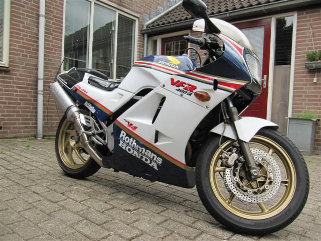 http://www.motor-forum.nl/forum/download_document/905856/53d7203443d8c10ad841e8b013484e19