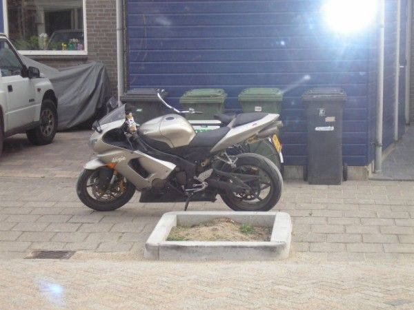 http://www.motor-forum.nl/forum/download_document/554714/9b59cdfdc0fca1a993af4f21a8e7969f