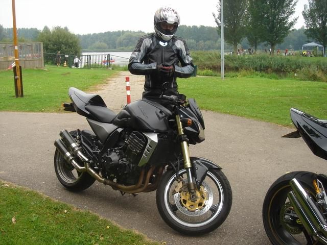 http://www.motor-forum.nl/forum/download_document/429585/7e94f8406ea549aae4f2ebe3c152bf21